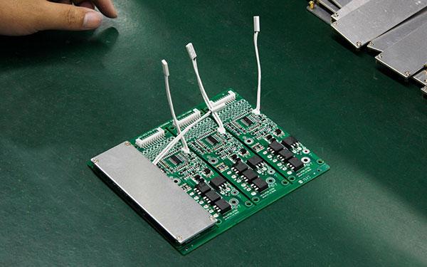 简单的介绍一下锂电池保护板的均衡原理