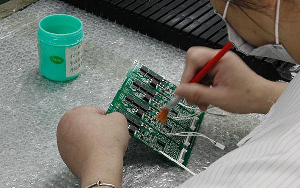 在使用锂电池保护板时的注意事项
